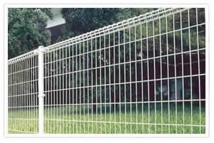 安平奥华专业生产 园林 操场 双圈焊接护栏网