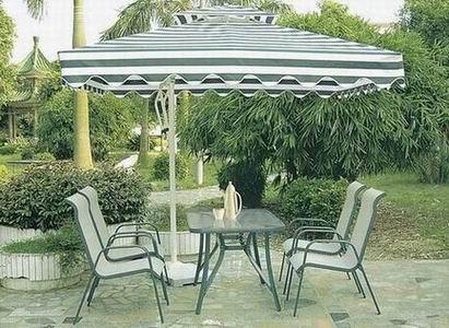 太阳伞、藤桌椅椅、公园椅、藤桌椅那里最便宜
