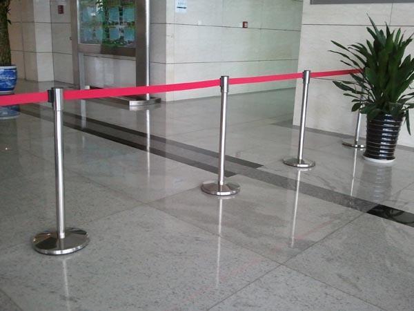 一米線、欄桿座、隔離帶、警戒線