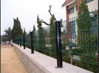 奥华三角折弯卷圈花园工厂车间隔离护栏网