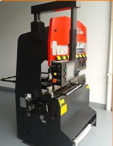 小型數控折彎機 XD-6020型電液伺服 下傳動折彎機