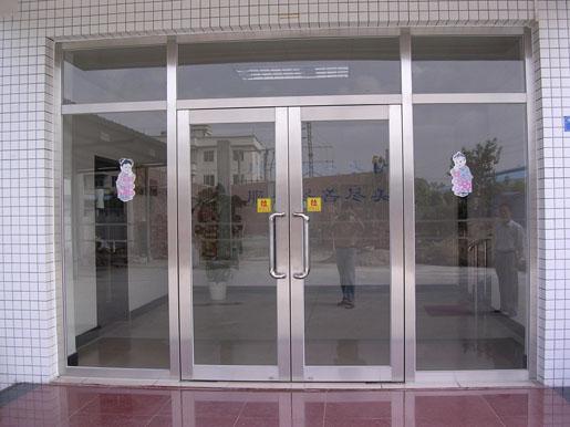 云南防盜門,昆明防盜窗,防盜門窗供應,防盜門窗價格