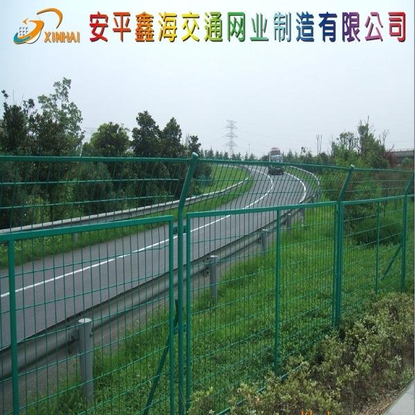 高速公路护栏网,公路护栏网,高速公路隔离栅