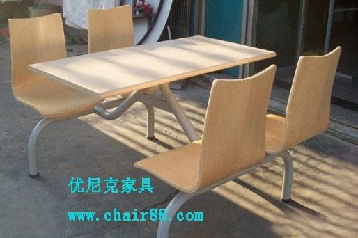 中高檔餐廳桌椅批發廠家,四人位快餐桌椅多少錢一套