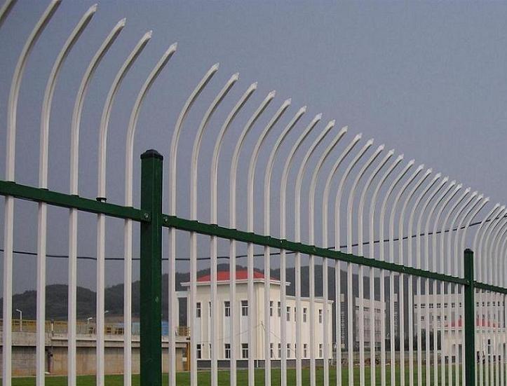 贵州方管护栏网/贵州不生锈护栏网