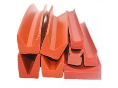 鑫奧優供應V型硅膠密封條蒸飯釜硅膠托塊