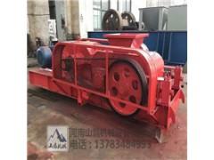 榆林2PG400x610双电机对辊破碎机耐磨辊皮减速机齿轮