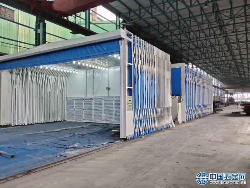 大型伸縮式噴漆房